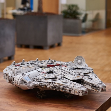 USC Lego Millennium Falcon 75192